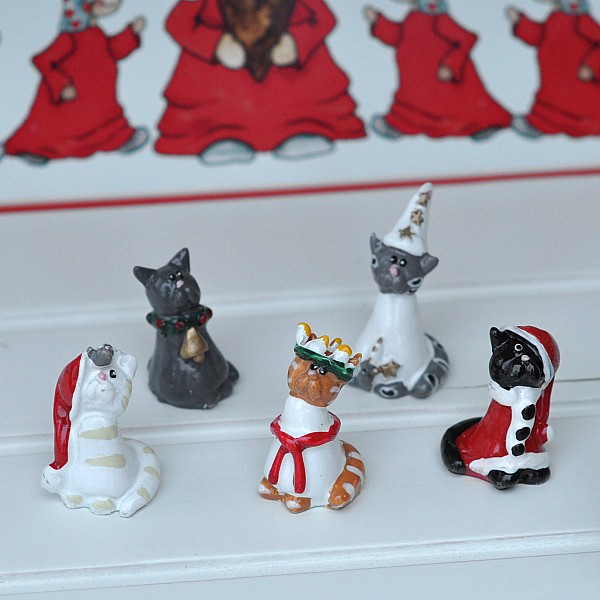 Lucia Parade Cats - Small