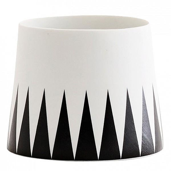 Ljuslykta med svart triangel-mönster