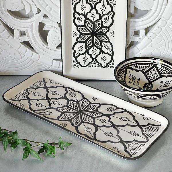 Moroccan Plate Tiznit / Meknes Black / White - 38 x 16 cm