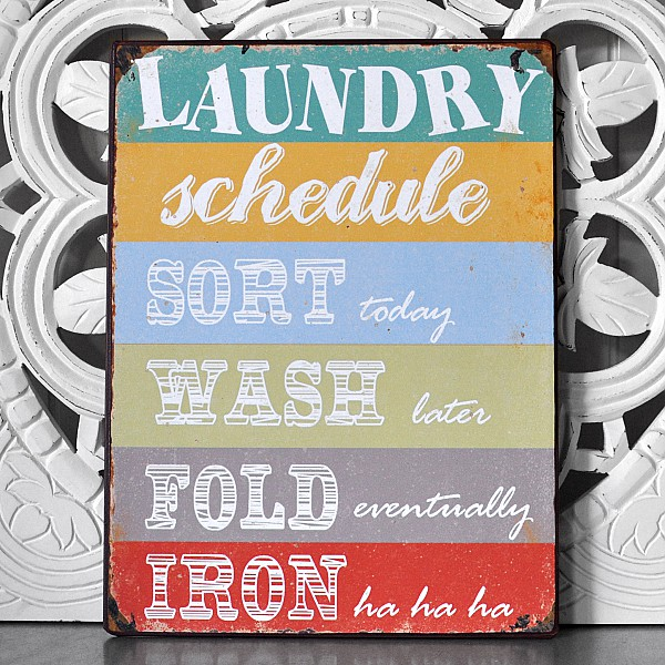 Plåtskylt Laundry Schedule Sort Wash Fold Iron