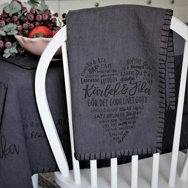 Majas Tea Towel Kärlek & Fika - Dark Grey