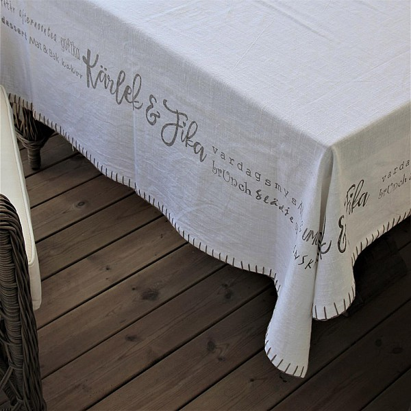 Majas Tablecloth Kärlek & Fika - White