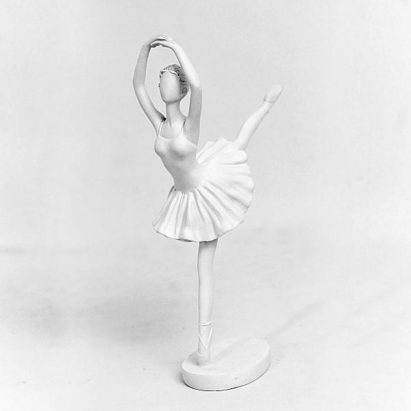 Ballerina - Ben bakåt
