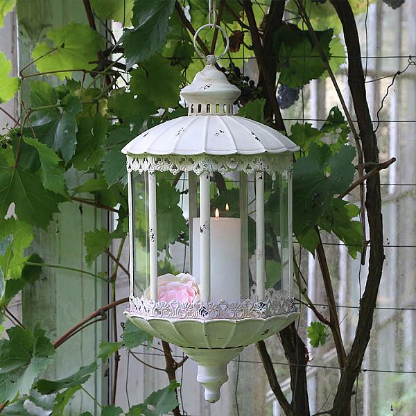 Lanterna med kedja och spetskant - Creme