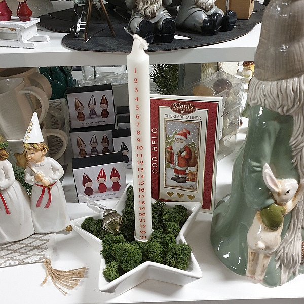 Calendar Candle White with red print