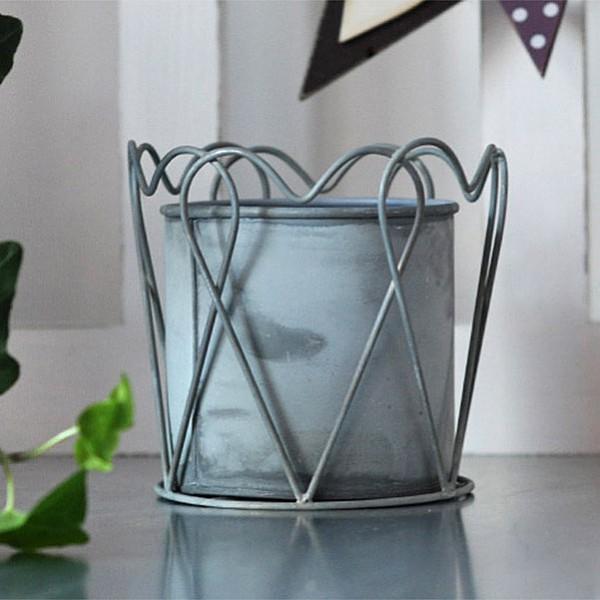 Zinc Pot Heart - Medium