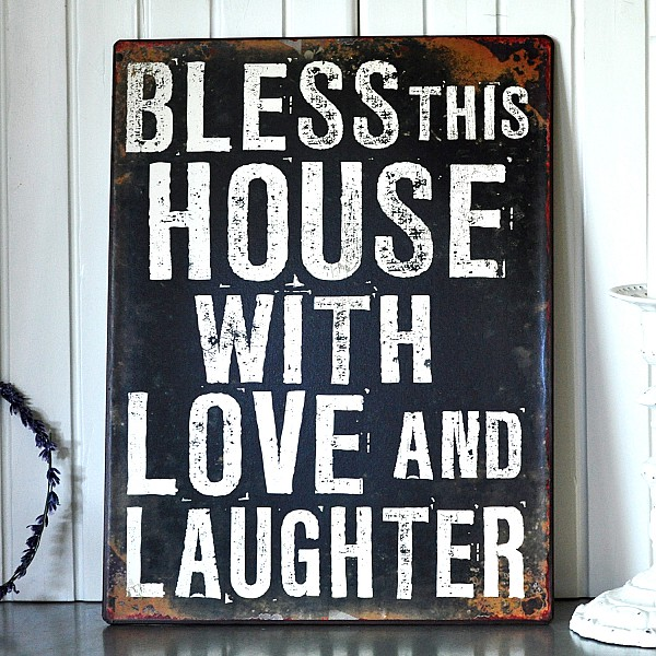 Plåtskylt Bless this house with love and laughter