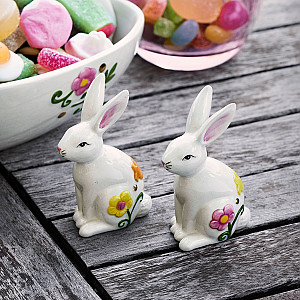 Easter Hares Paulinas Twins
