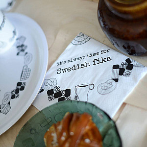 Servetter Swedish fika