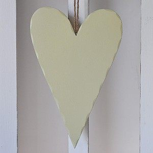 Herz aus Holz Olivgrün - 27 cm