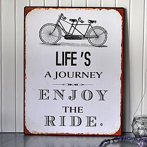 Plåtskylt Life is a journey